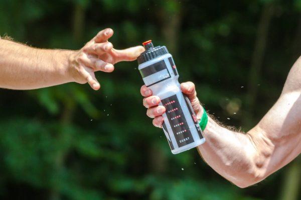 como evitar un golpe de calor deporte aventuring